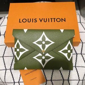 NIB Louis Vuitton Kirigami Large Pouch